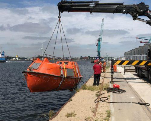 Reparatie reddingsboot